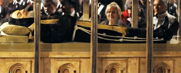 cuerpo_exhumado_Padre_Pio-peru-catolico