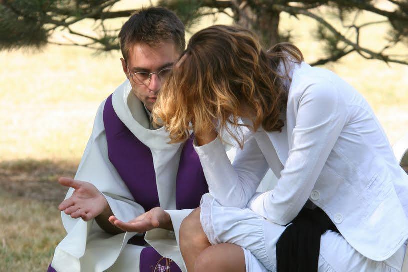 sacerdotes-abortos-peru-catolico
