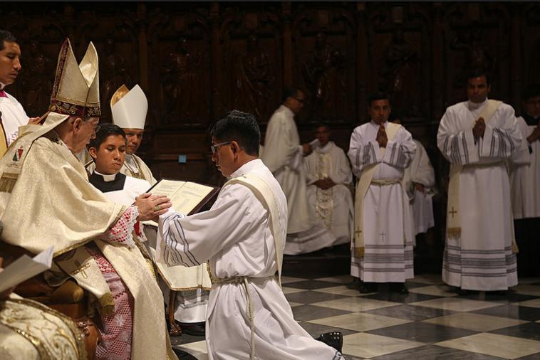 10ordenacion-sacerdotal-peru-catolico