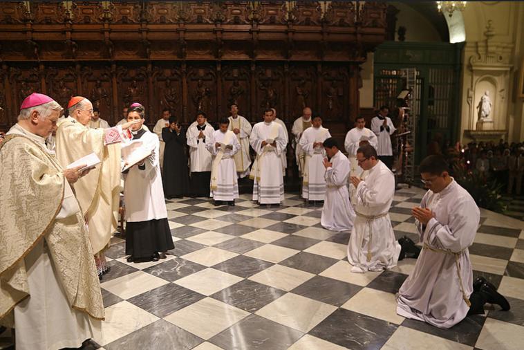12ordenacion-sacerdotal-peru-catolico