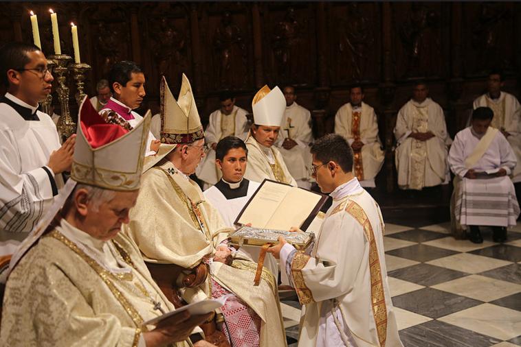 13ordenacion-sacerdotal-peru-catolico