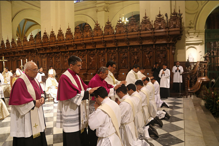 14ordenacion-sacerdotal-peru-catolico