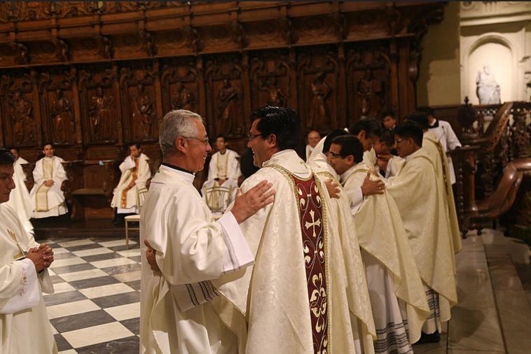 18ordenacion-sacerdotal-peru-catolico