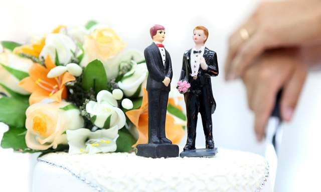 Primer Matrimonio Gay Catolico : Eslovenia se convierte en el primer país derogar