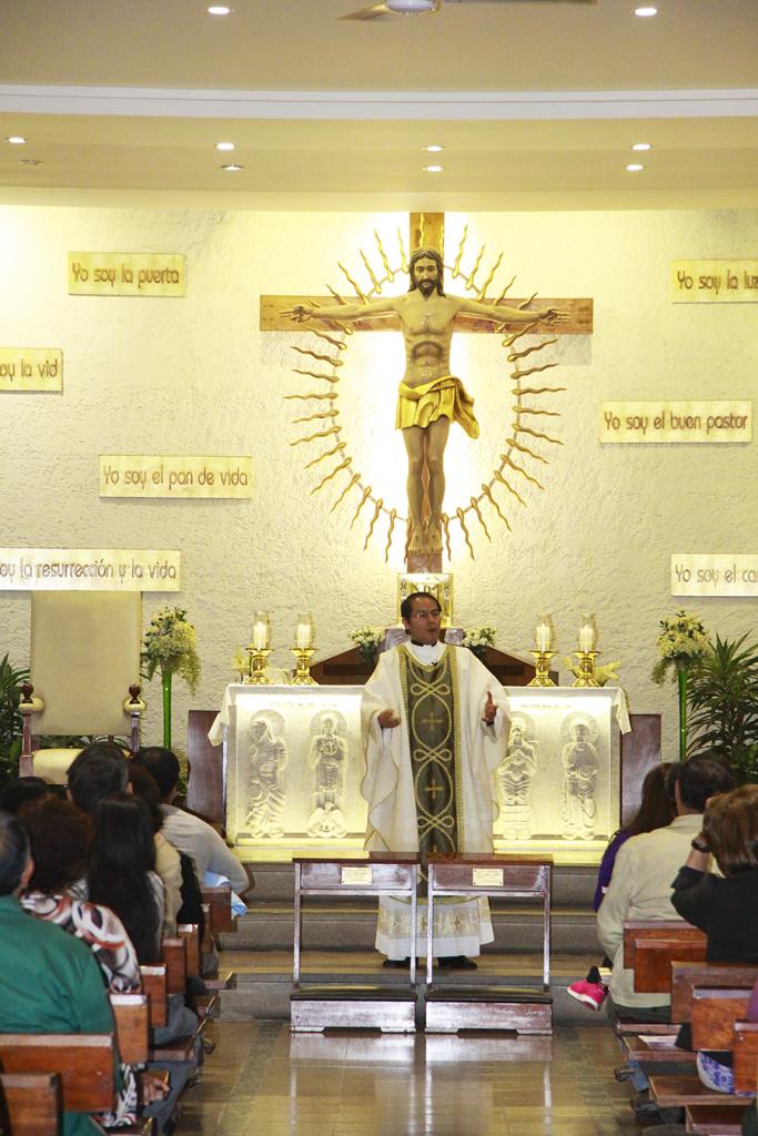 padre-miguel-angel-2-peru-catolico