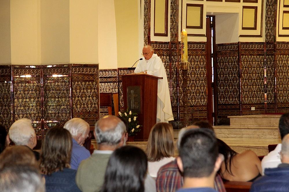 Padre Carlos Cardó Franco SJ, párroco.
