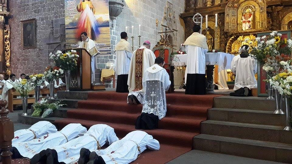 ordenacio-diaconal-juli-peru-catolico2