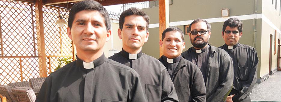 sacerdotes-callao-peru-catolico