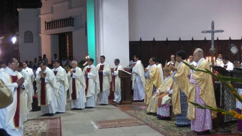 sacerdotes-peru-catolico5