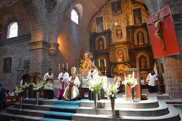 sacerdotes-peru-catolico6