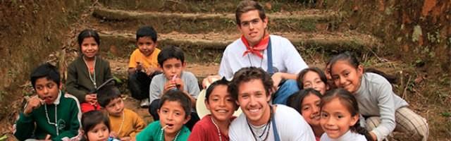 misioneros_laicos_evangelizando_en_plena_selva-peru-catolico