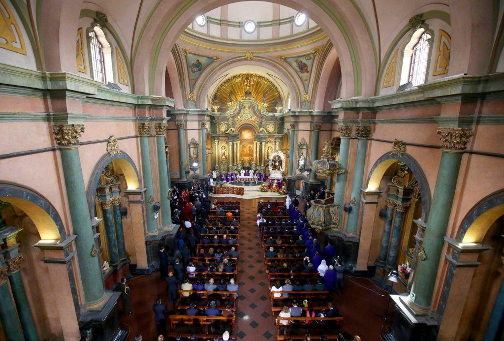 Iglesia de las Nazarenas (Ubicación: Jr. Huancavelica con Av. Tacna) Alberga la imagen del Señor de los Milagros, la cual fue pintada en 1655 por un esclavo. Es una de las paradas obligatorias en el recorrido de Semana Santa. (USI)